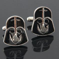Butoni camasa model STAR WARS Darth Vader argintii cu negru + cutie simpla cadou