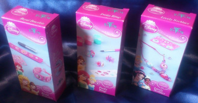 Cadou pentru fetite: Set 3 cutii cu accesorii papusi Disney foto