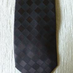 Cravata Burton; 144 cm lungime; impecabila, ca noua, Culoare: Din imagine