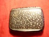 Tabachera mica ,metal ornat in email ,marcaj pe usita , aurit pe interior