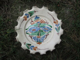 Farfurie veche din ceramica pentru agatat pe perete , blid vechi pictat 27 cm