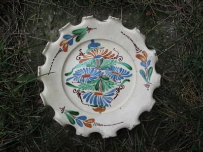 Farfurie veche din ceramica pentru agatat pe perete , blid vechi pictat 27 cm foto