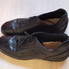 Adidasi barbati din piele - Marime size 44 - stare foarte buna, Culoare: Negru
