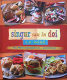 SINGUR SAU IN DOI LA MASA - READER'S DIGEST