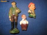 JUCARII COPII VECHI4. Trei jucarii mici vechi,  material probabil lineol.