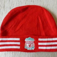 Caciula Adidas Liverpool; 100% acrylic; marime universala; stare excelenta - Fes Barbati, Culoare: Din imagine