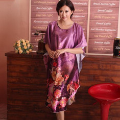 B356-10 Lenjerie desu larg tip kimono cu model floral - Camasa de noapte, Marime: M