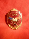 Insigna 30 Ani Promotia 1949 a Scolii Artilerie , h= 4,3 cm , metal si email
