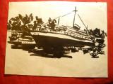Pictura-Tus  -Vapor pasageri in port ,nesemnat , dim.= 26,5x19,5 cm
