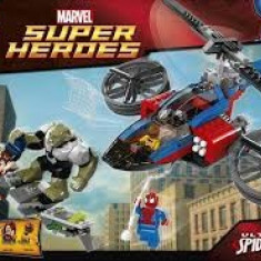 Vand Lego Super Heroes-76016-Spider-Helicopter Rescue, original, 299piese, 7-14ani