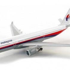 Macheta avion Airbus A330 Malaysia SCHUCO scara 1:500 - Macheta Aeromodel, 1:144