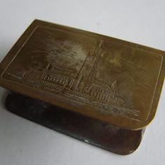 Suport suedez din alama pentru cutie chibrite, inscriptionat Stadshuset