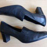 Pantofi Geox Respira, piele naturala; marime 38.5; impecabili