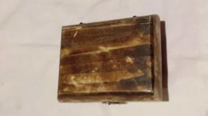 Frumoasa si Veche Cutie Bijuterii Vintage cu tinte de alama lucrata manual
