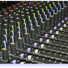 MIXER DE MARE PUTERE TOTALA 1300watt, 12 CANALE, EFECTE VOCE, 4 IESIRI BOXE, SIGILAT - Mixer audio
