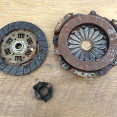 Kit ambreiaj 3 piese placa disc rulment Dacia Sandero 1.2i 2012 55000 km