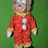 Papusa clovn, clown, arlechin, bufon, material textil, cap de cauciuc, 32 cm