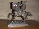 Statueta  ecvestra veche,din bronz