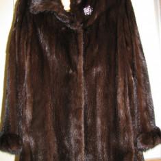 Palton NURCA autentica + brosa cristale Swarovski - haina de blana