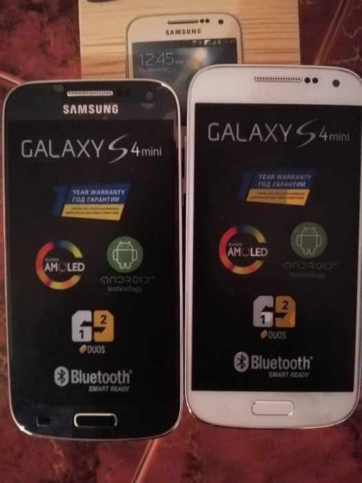 Telefon Samsung Galaxy S4 mini NEGRE  / ALBE BONUS FOLIE STICLA foto mare