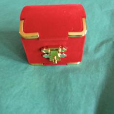 Cutii pentru bijuterii.