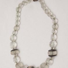 Colier vintage din margele sticla pe lant metalic - Colier perle