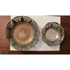 GE - Set 2 vase vechi traforate alama argintata cu marcaj