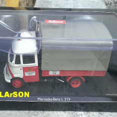 Macheta metal camioneta Mercedes Benz L 319 Pompieri - Schuco noua,in cutie 1:43