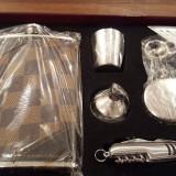Set cadou sticla si briceag - 45 lei