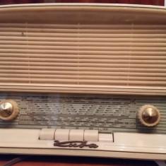 Radio Kuba Kolibri cu lampi - Aparat radio