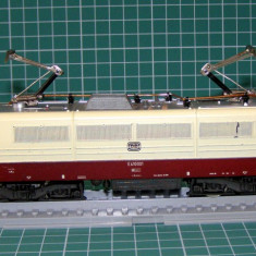 Locomotiva electrica E410 marca Lima scara HO(3584)