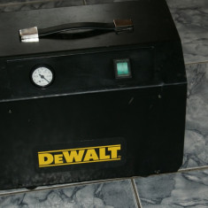 Pompa pentru vidare, fixarea standurilor de gaurire D215837 DEWALT