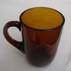 Halba veche din sticla maro, perioada anilor 1940