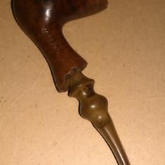 Pipa cu forma deosebita St Claude Wood Art, de lux.