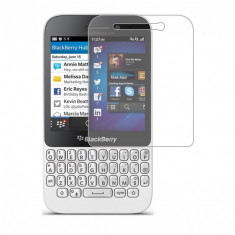 Folie BlackBerry Q5 Transparenta - Folie de protectie Blackberry, Lucioasa