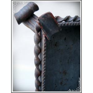 SCRUMIERĂ MARE ȘI VECHE DIN FIER PT. 6 ȚIGĂRI, CONFECȚIONATĂ MANUAL, 0.6 KG!