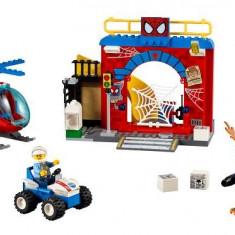 Lego® Juniors Ascunzisul Lui Spider-Man - 10687