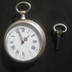 Ceas buzunar barbat antic functional in argint marcat cu cheie. - Ceas de buzunar vechi