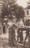 VANZATOARE DE COVRIGI , PORT POPULAR, Circulata, Printata