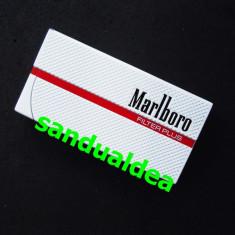 BRICHETA MARLBORO -METALICA CU FLACARA ANTIVINT -ABSOLUT NOUA, NEUTILIZATA !!! - Bricheta Zippo Marlboro, Tip: Moderna (1970 -acum)