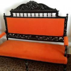 Set mobilier sculptat: Canapea si 2 Fotolii . Lucrat manual, Mobilier unicat.