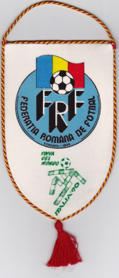 Fanion fotbal - ROMANIA (FRF) la Campionatul Mondial Italia 1990 foto