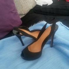 Pantofi/sandale Stradivarius