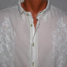 Camasa barbati ZARA Man alba cu broderie florala ultra subtire marimea L 42, Maneca lunga, Alb