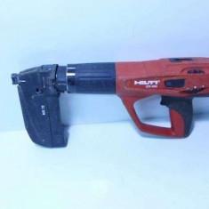 Pistol impuscare bolturi in beton cu capse Hilti