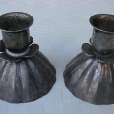 Doua sfesnice argintate de masa