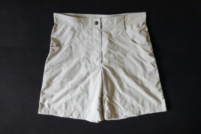 Pantaloni scurti Mammut; marime 40, vezi dimensiuni exacte; impecabili, ca noi