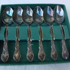 Set de sase lingurite din alpacca decorate cu ciorchini de struguri - Argint, Tacamuri