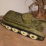 + Macheta asamblata dar nevopsita 1:35 - Soviet light tank BT-2 +