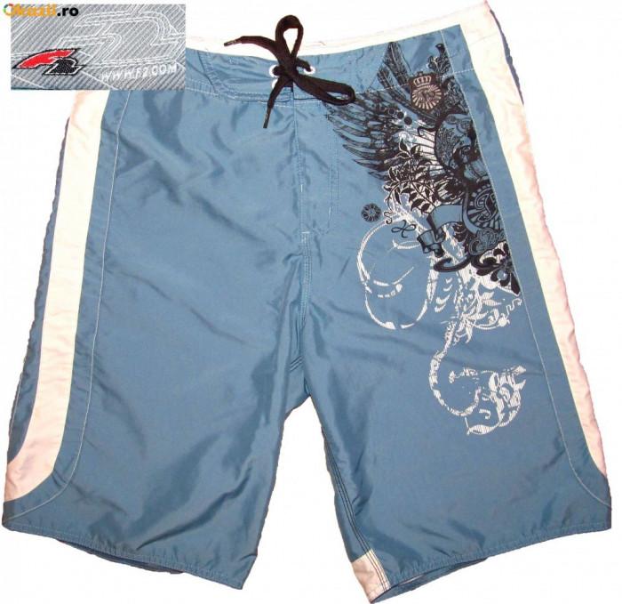 Pantaloni scurti bermude F2 originale (L spre M) cod-703150 foto mare